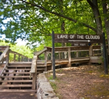 Hiking Lake-of-the-Clouds